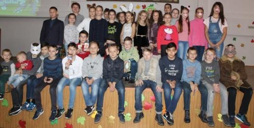 21 октября, в шестой школьный день,  прошло мероприятие с участием  учащихся 5 «Ч» и 5 «Я» классов   «В стране сказок»