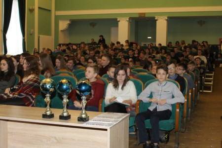 17-га лютага, у шосты школьны дзень, вучні нашай гімназіі прынялі  ўдзел у  ІХ-ым адкрытым чэмпіянаце па інтэлектуальным гульням «Мудры Шчупак» у г.Шчучыне.