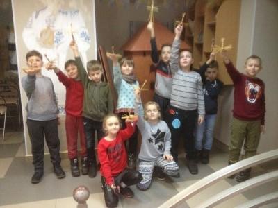 11 февраля учащиеся 2 «Ю»,2 «У», 2 «Н» посетили первую в Беларуси мастерскую шоколада по технологии «от  боба к плитке».