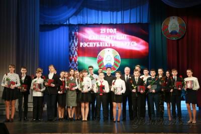 Торжественный концерт ко Дню Конституции Республики Беларусь прошел в Гродненском областном драматическом театре.